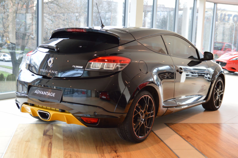 renault megane rs coupe red bull racing edition 265 cv