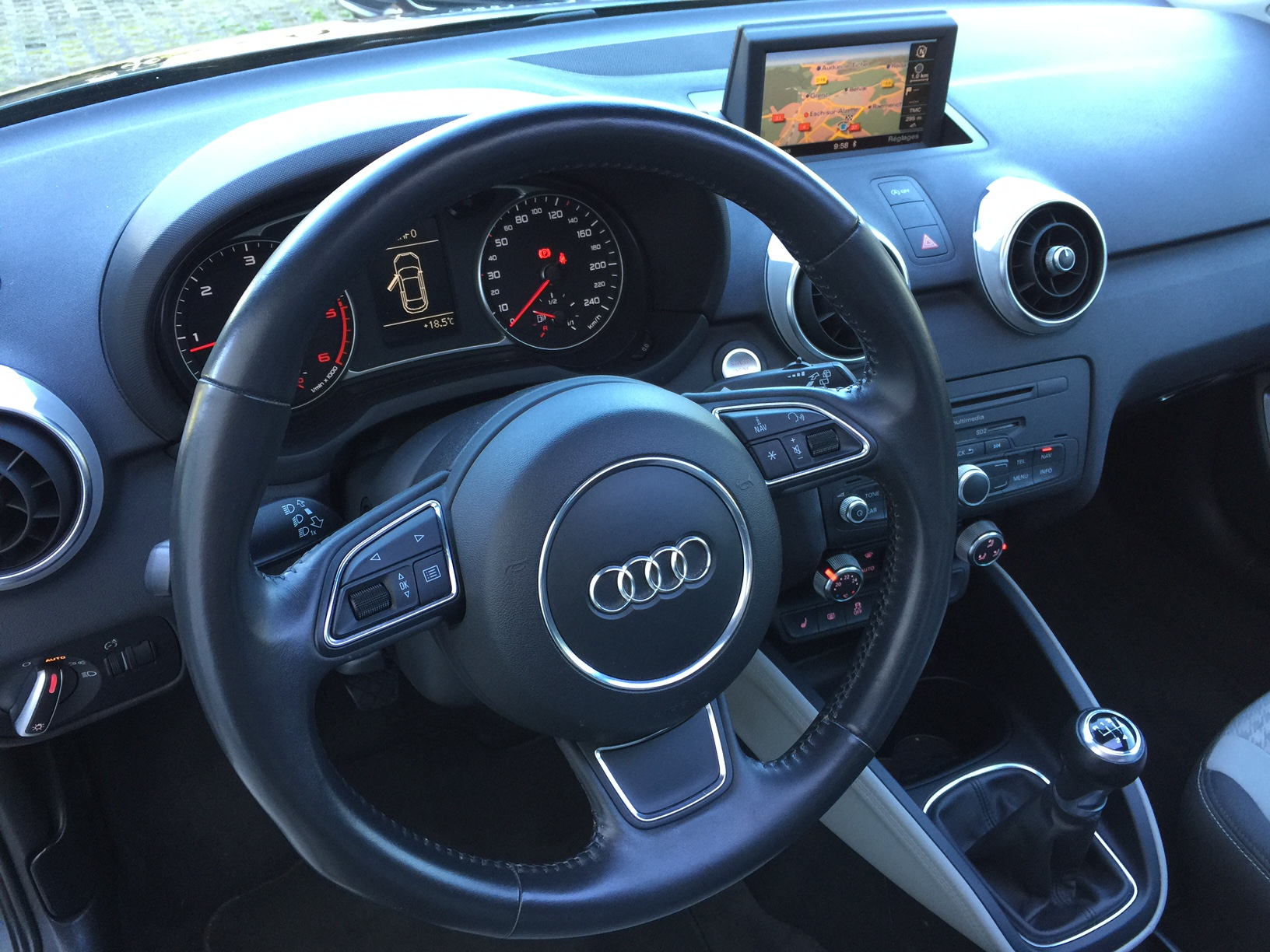 audi a1 1 6 tdi 105 ambition luxe transvialux automobiles. Black Bedroom Furniture Sets. Home Design Ideas
