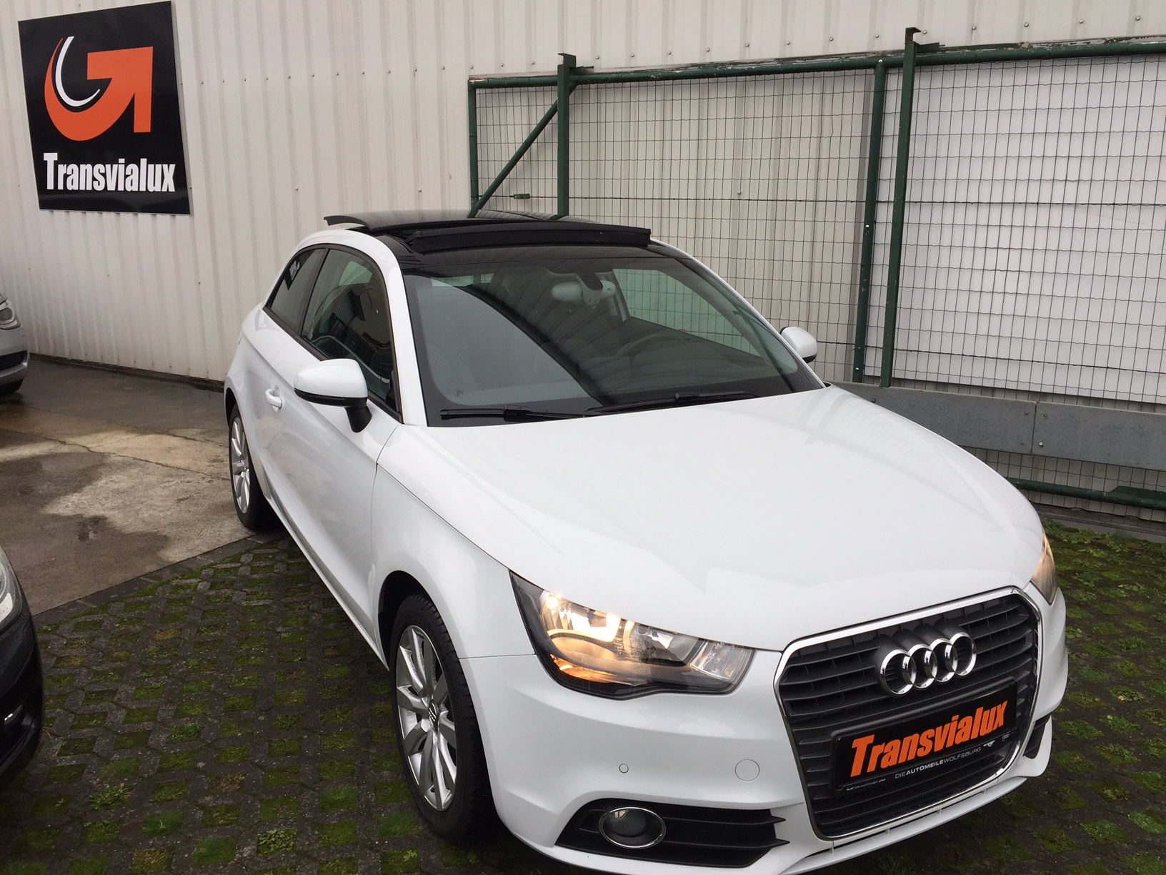 audi a1 1 6 tdi 90 ambition luxe s tronic transvialux. Black Bedroom Furniture Sets. Home Design Ideas