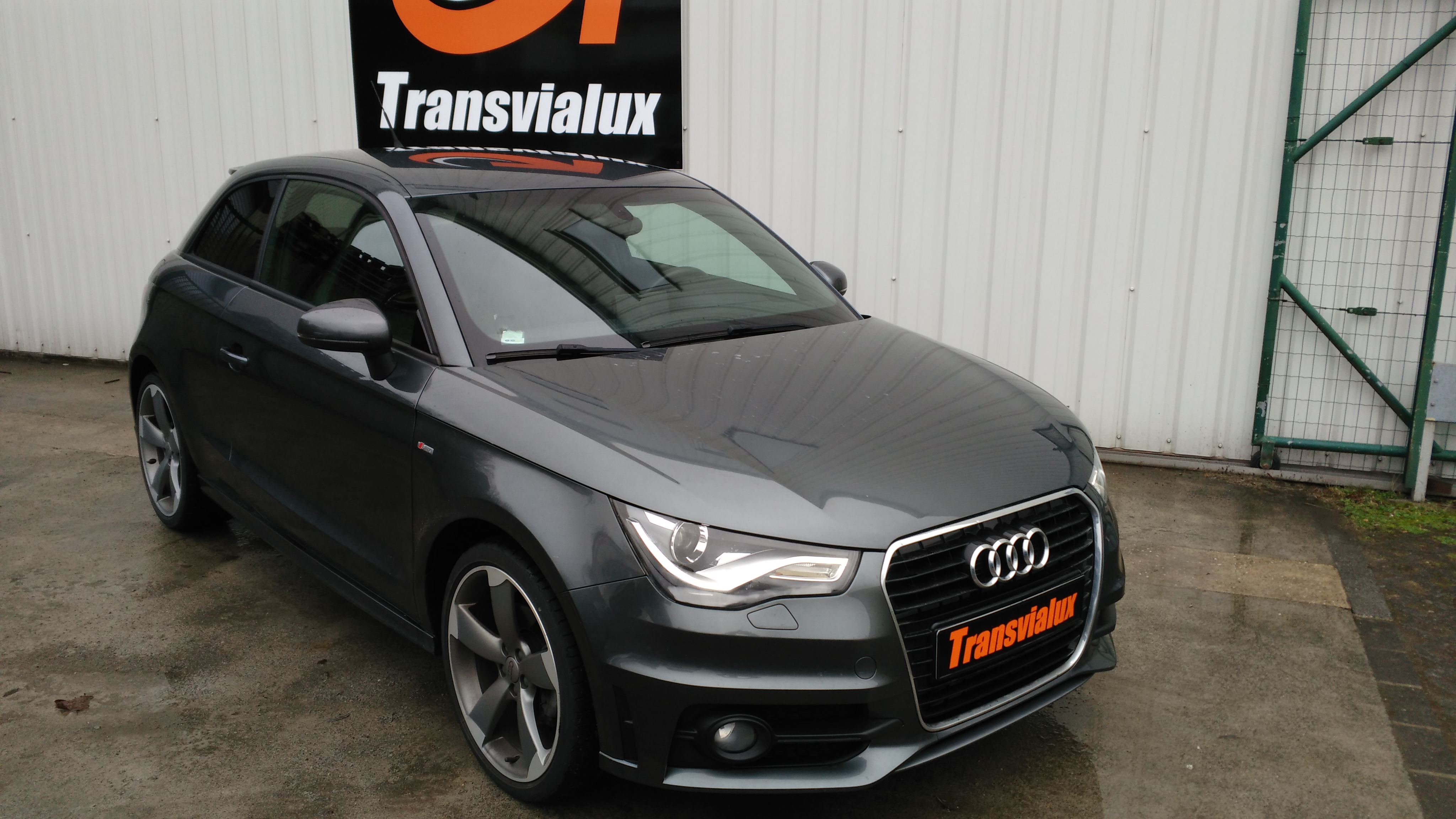 audi a1 1 4 tfsi 185 s line s tronic transvialux automobiles. Black Bedroom Furniture Sets. Home Design Ideas