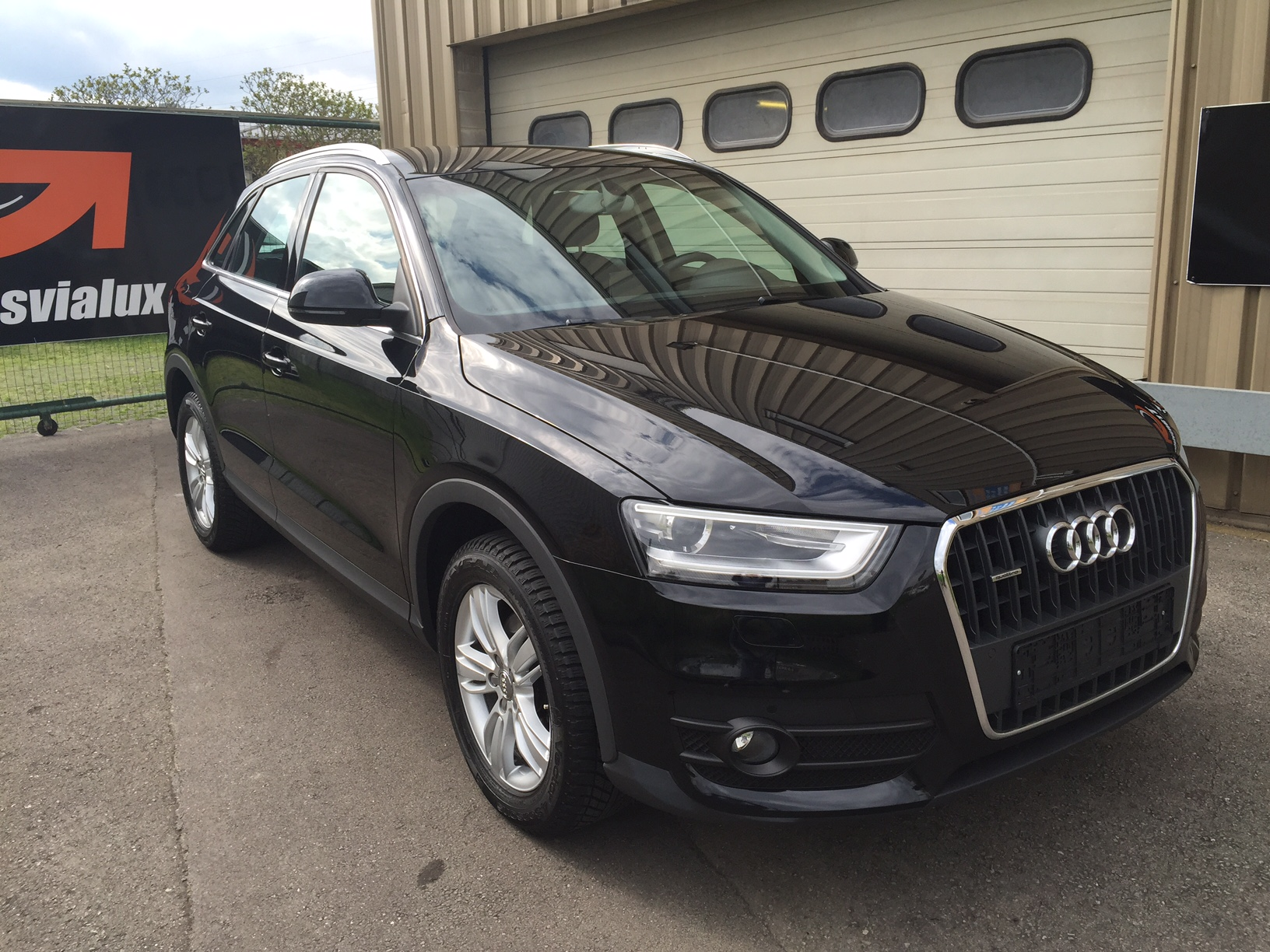 audi q3 2 0 tdi 177 ambition luxe quattro s tronic 7 transvialux automobiles. Black Bedroom Furniture Sets. Home Design Ideas